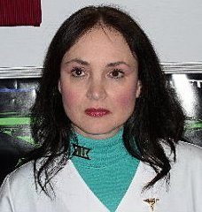 Renda Carr plays the grouchy Doctor Maura Drake